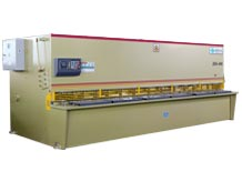 ZDS-450 (4mm cutting thickness and 5000mm cutting length) Hydraulic Plate Cutting Machine (MD11 Control System)